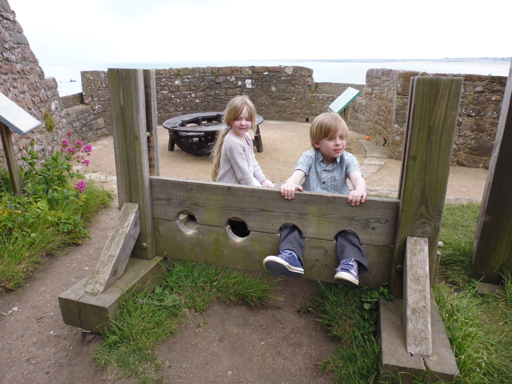 Top 10 Things to do in Jersey, Channel Islands with Kids: Mont Orgueil Castle - copyright: www.globalmousetravels.com