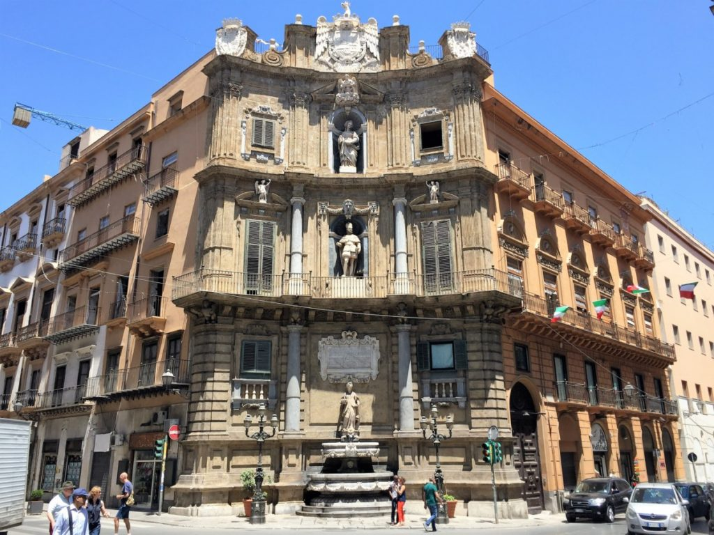 Tour of Palermo - copyright: www.globalmousetravels.com