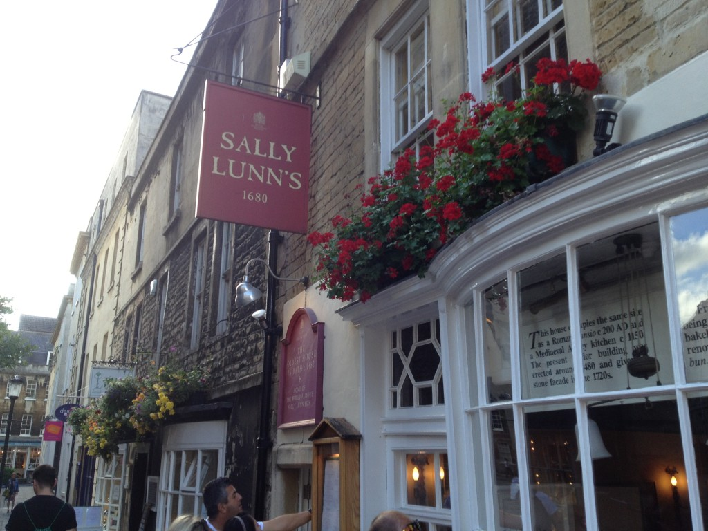 Sally Lunns - 10 Top things to do in Bath with kids - copyright: www.globalmousetravels.com
