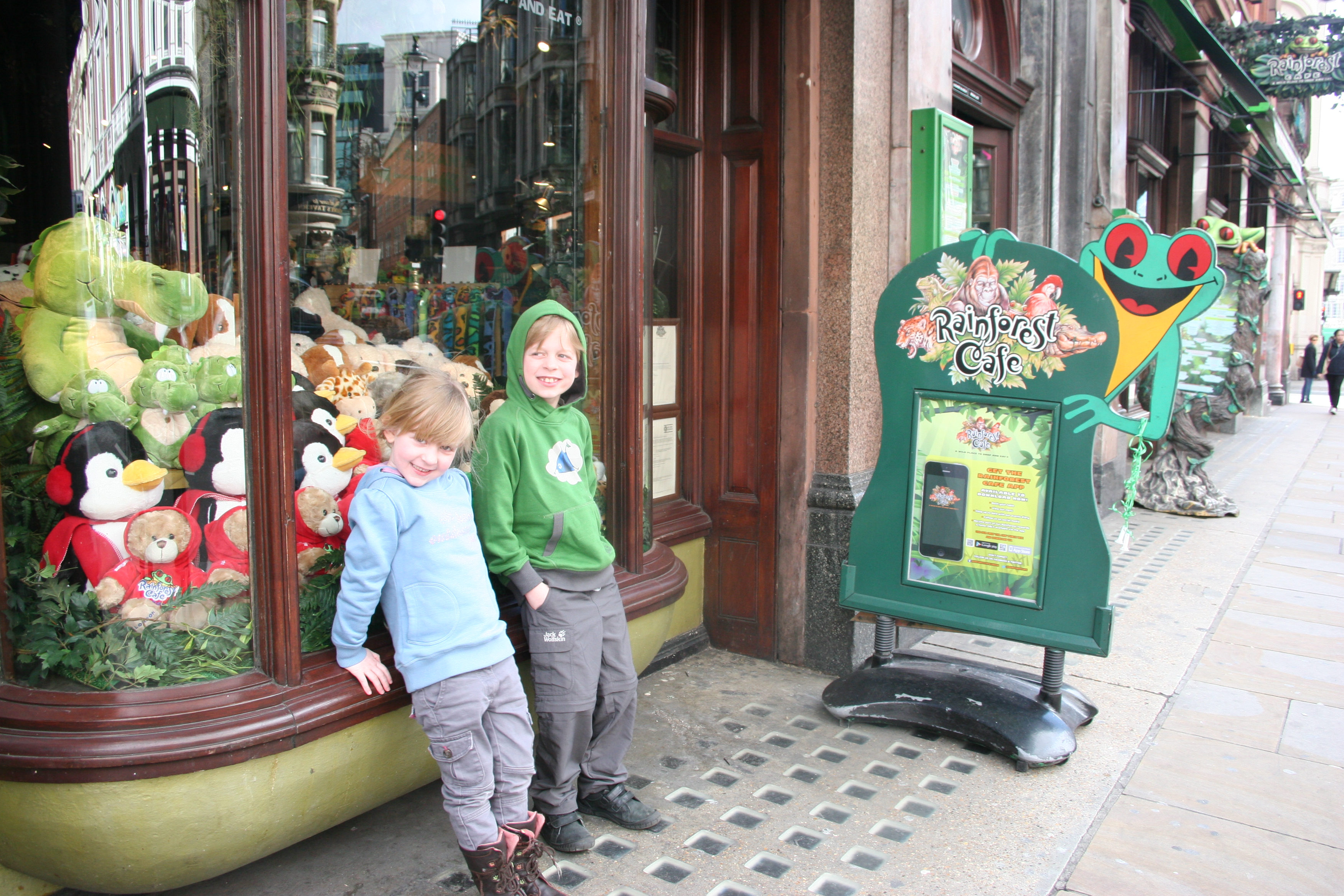 Rainforest cafe london a restaurant review for Rainforest londra