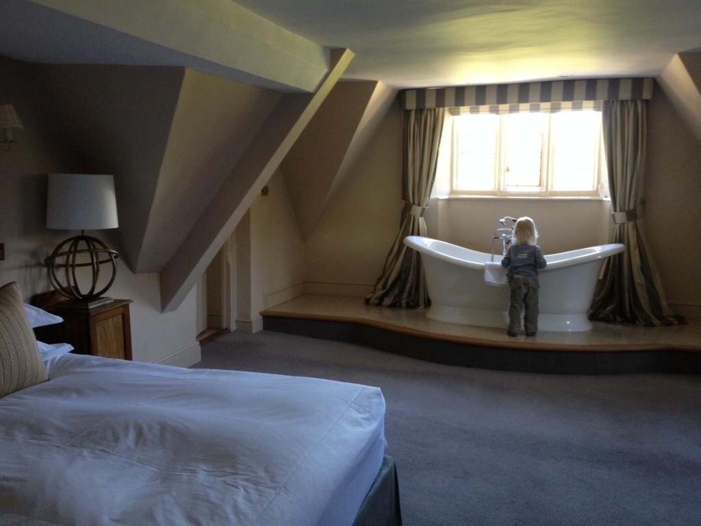 Roll Top Bath Suite: Bibury Court Hotel, Cotswolds, England