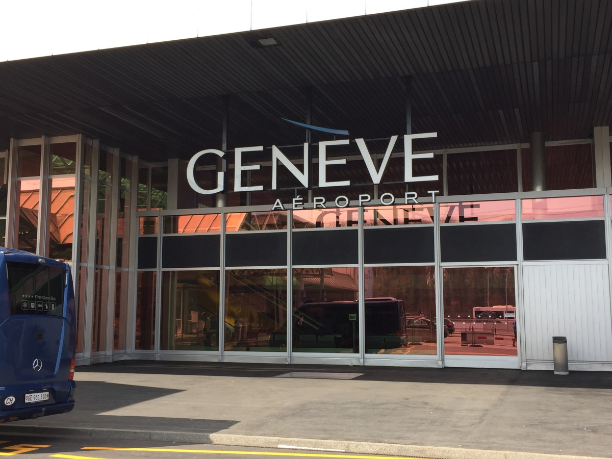 Geneva - Alps transfer - copyright: www.globalmousetravels.com