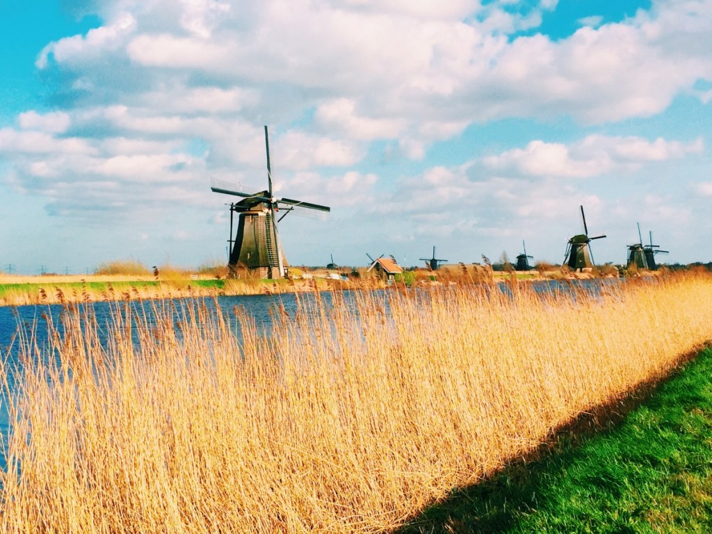 Kinderdijk, Holland, Netherlands, windmills - Copyright: www.globalmousetravels.com