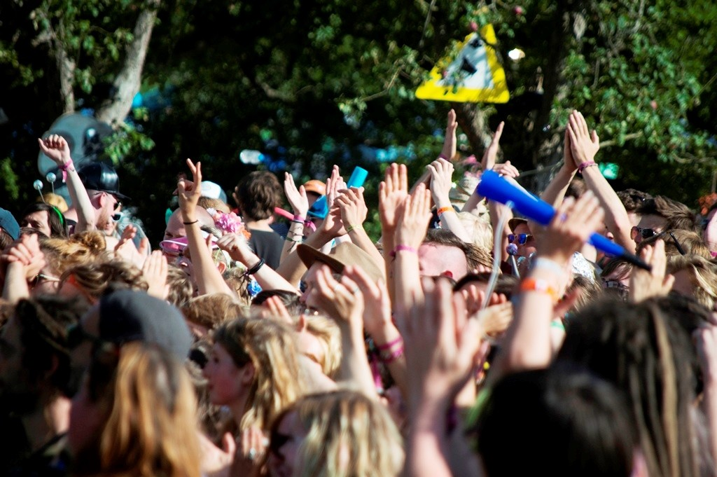 Nozstock - hands in the air - credit Clare Leach