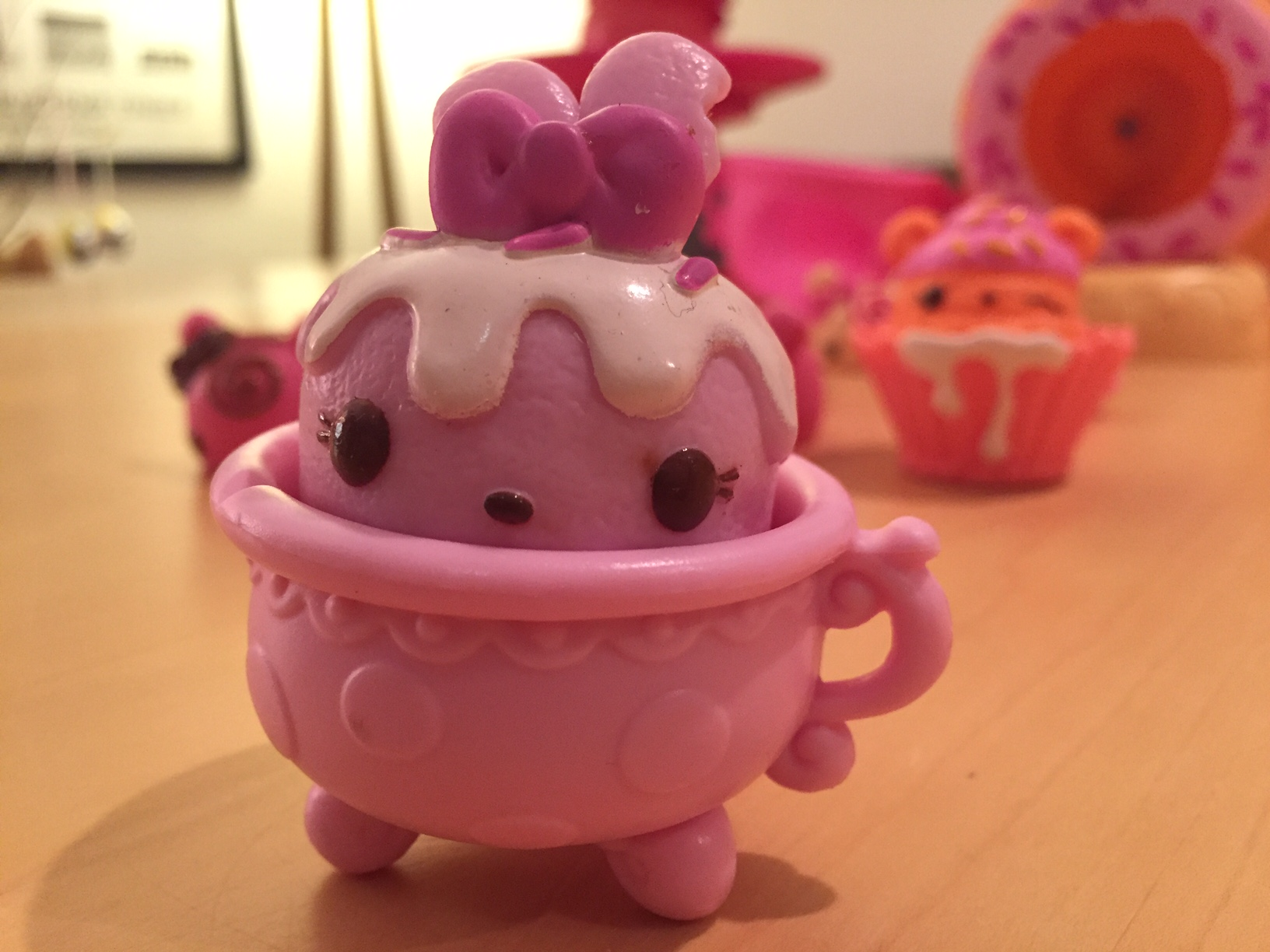 Num Noms and Go-Go Cafe - copyright: www.globalmousetravels.com