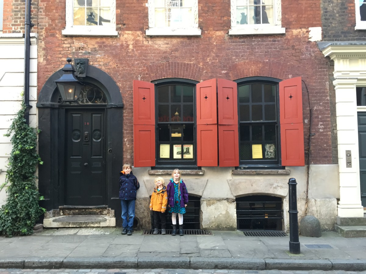 Dennis Severs House, Spitalfields, London - copyright: www.globalmousetravels.com