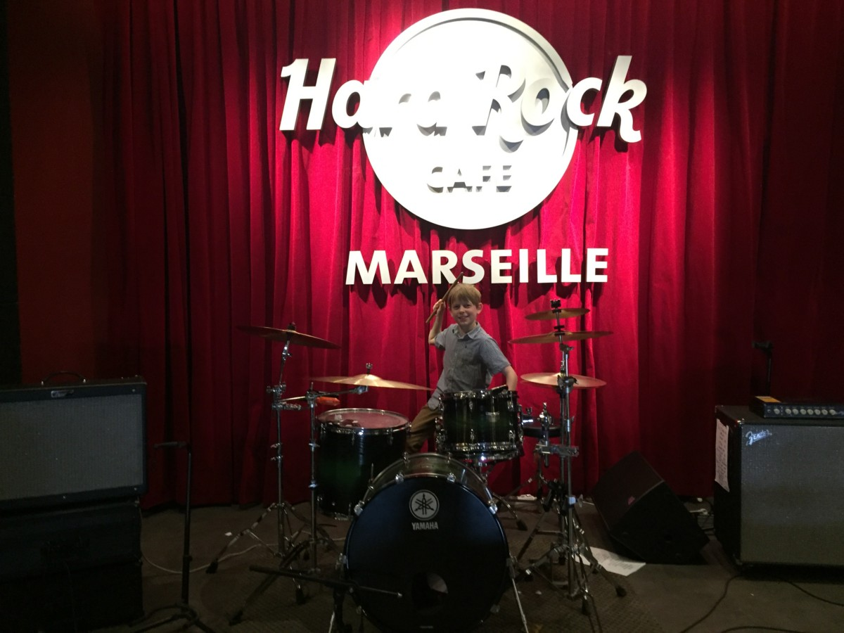 Hard Rock Cafe Marseille - copyright: www.globalmousetravels.com