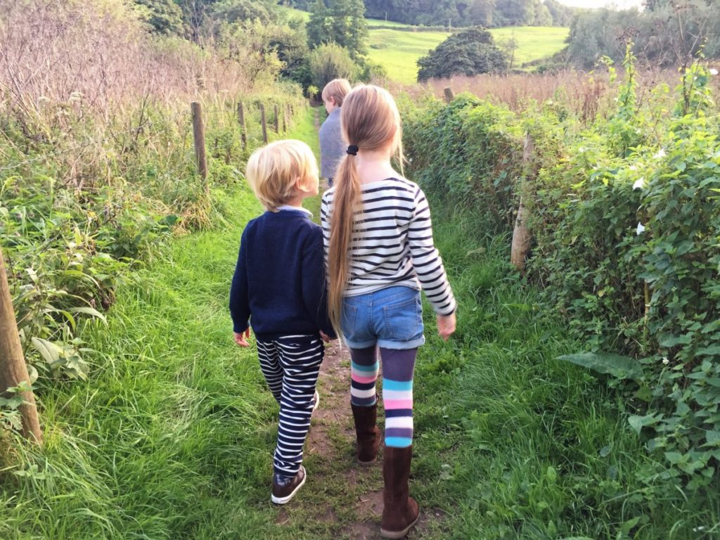 An Autumn walk hunting for blackberries - with Boden AW16 - copyright: www.globalmousetravels.com