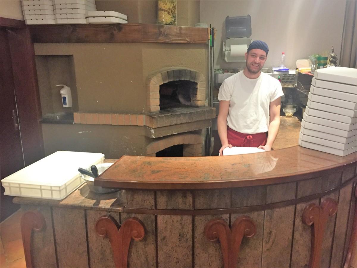 Pizzeria Via Napoli Kranjska Gora - copyright: www.globalmousetravels.com