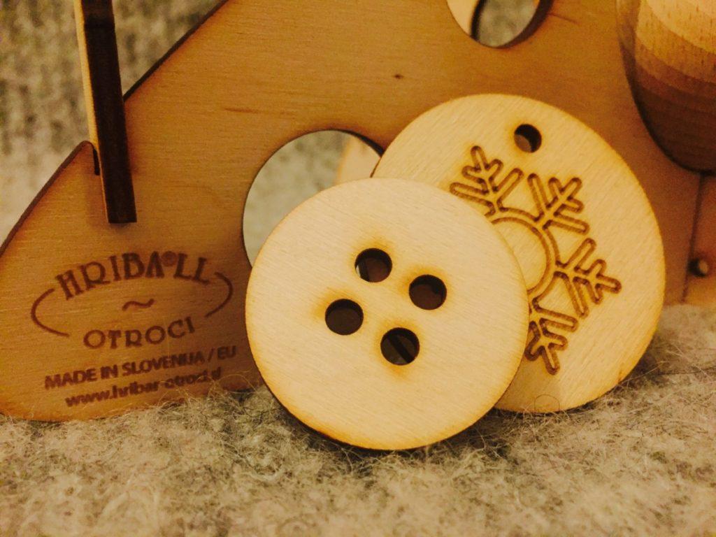Hribar Winter decorative tree - copyright: www.globalmousetravels.com