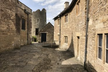 Farleigh Hungerford Castle, Somerset - copyright: www.globalmousetravels.com