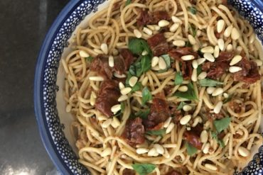 Delicious Tuscan spaghetti with sun dried tomatoes - copyright: www.globalmousetravels.com