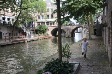 Staying in one of Utrecht's wharf cellars alongside the canals, Hotel 26, Netherlands - copyright: www.globalmousetravels.com