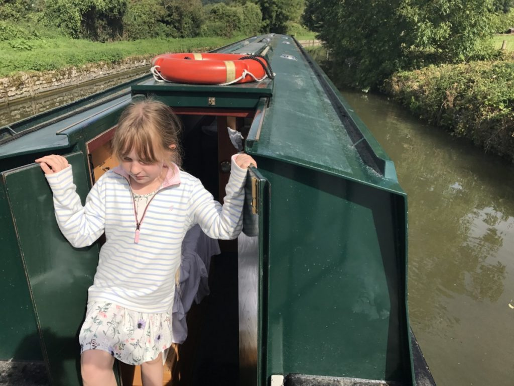 Summer days drifting along the Kennet & Avon Canal from Bath to Bradford on Avon - copyright: www.globalmousetravels.com