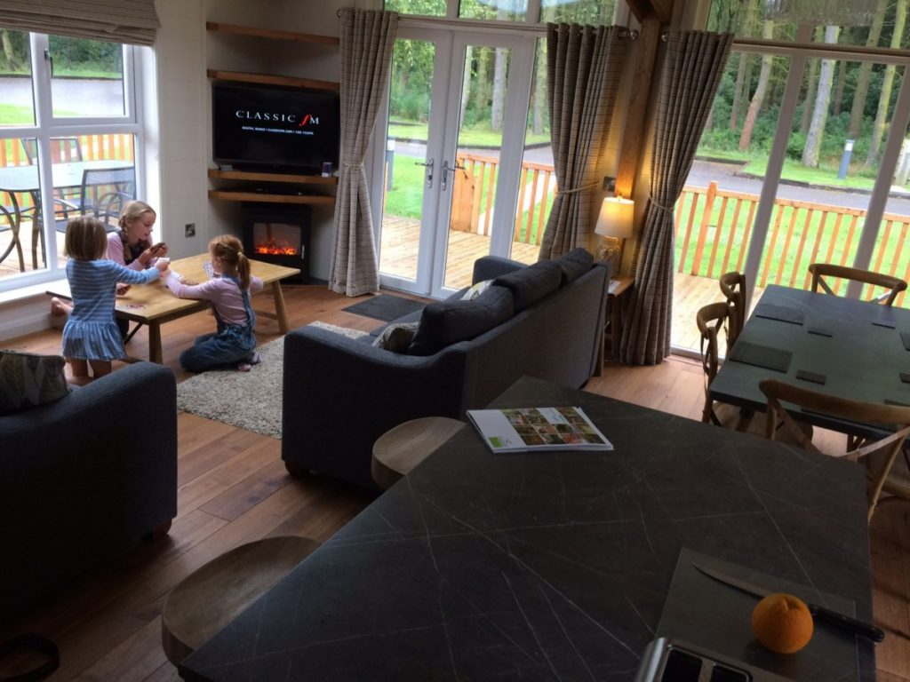 Perfect Peak District lodges with a touch of luxury - Darwin Forest Country Park - copyright: www.globalmousetravels.com