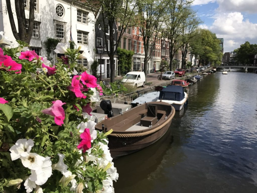 Amsterdam - copyright: www.globalmousetravels.com
