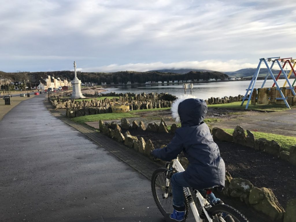 Cycling around Great Cumbrae - A wonderful winter trip to Ayrshire with kids - copyright: www.globalmousetravels.com