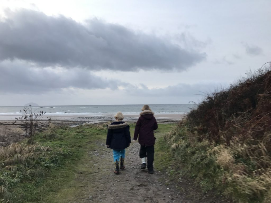 Walking to the Beach at Culzean Castle - A wonderful winter trip to Ayrshire with kids - copyright: www.globalmousetravels.com