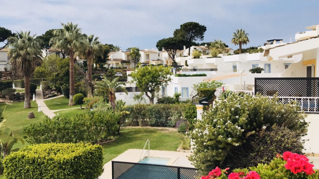 A spring week in the Algarve at Easter - a perfect family break - copyright: www.globalmousetravels.com